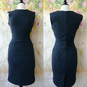 Black and Gray Print Fitted Dress